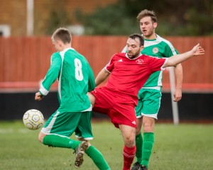 Jamie McClurg. Bracknel Town FC vs Frilsham & Yattendon. Photo: Neil Graham.