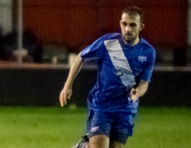 Binfield striker Liam Ferdinand. Photo: Neil Graham.