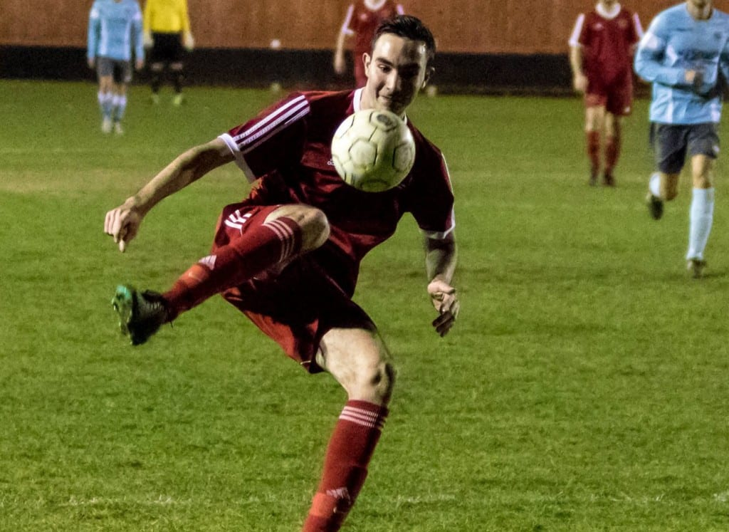 Bracknell Town's Ben Poynter. Photo: Neil Graham.