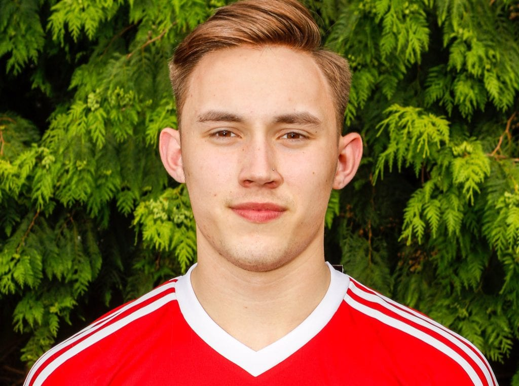 Bracknell Town's Joe Grant. Photo: Neil Graham.