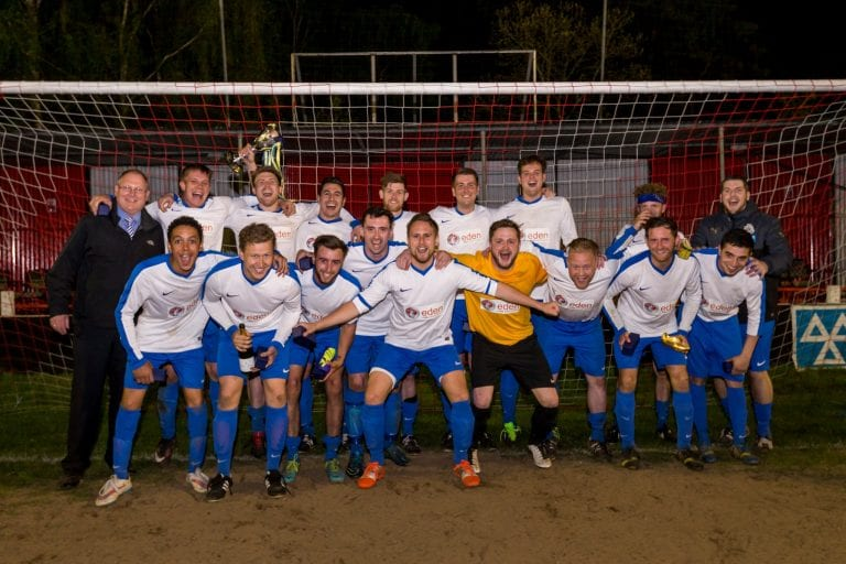 The Sunningdale & Wentworth players after the league cup win in May 2016. Photo: Neil Graham.