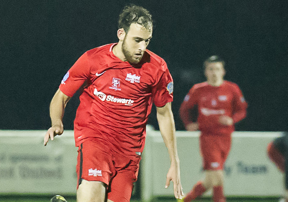 Binfield's Liam Ferdinand. Photo: Colin Byers.