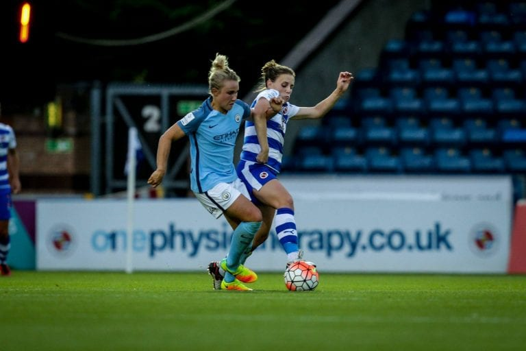 Reading FC Women take on Manchester City Women. Photo: Neil Graham.