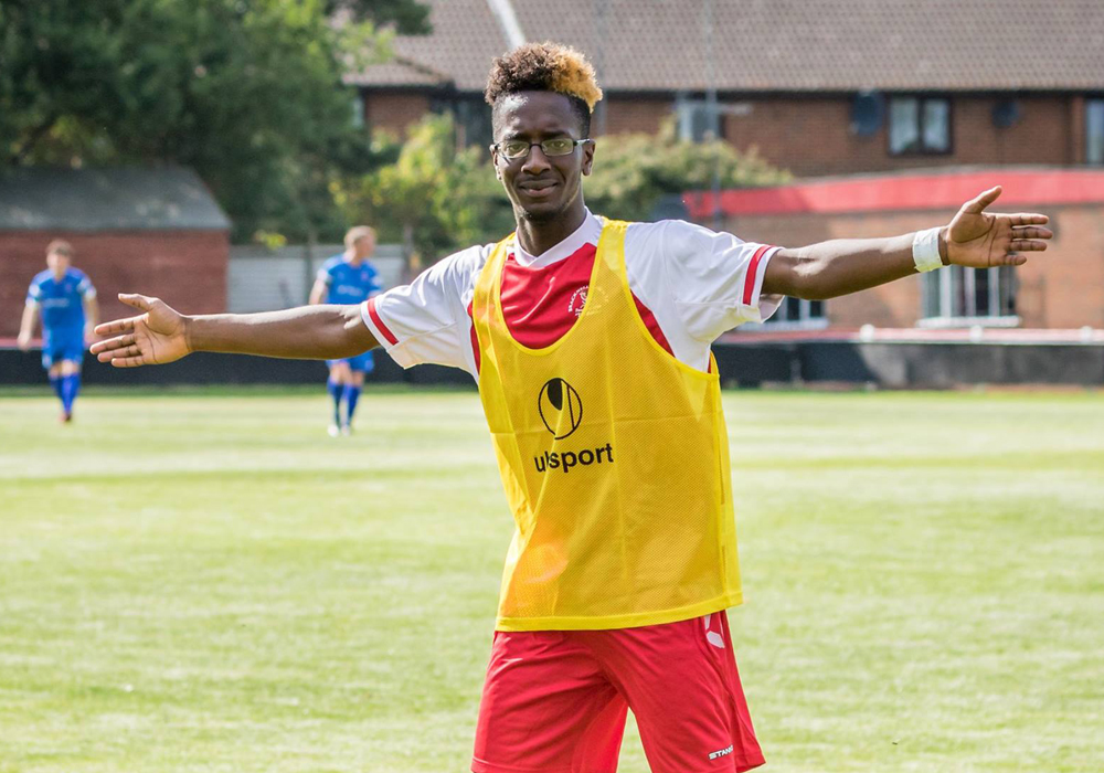 Bracknell Town FC's William Kyeremeh. Photo: Neil Graham.