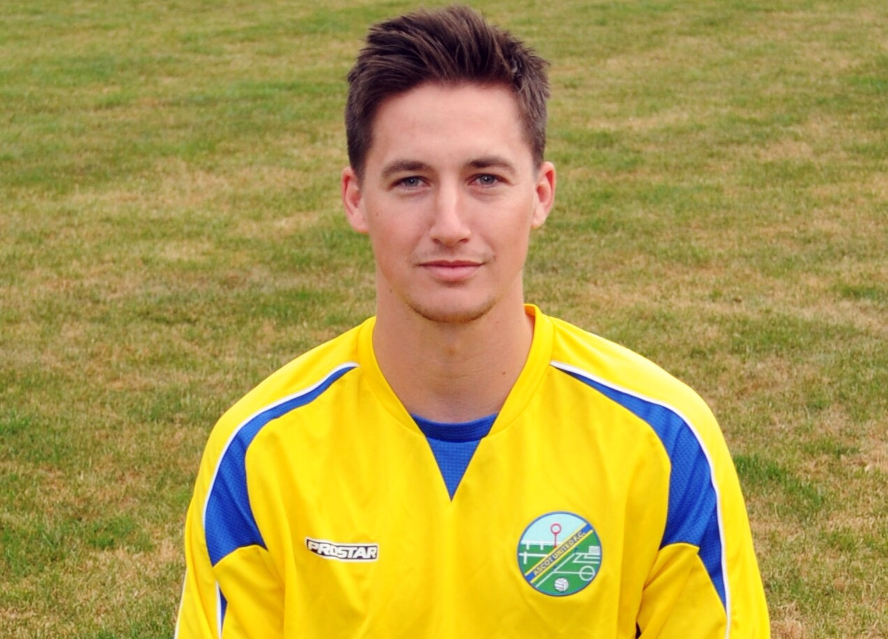 Ben Knight scores FOUR as Ascot United FC inflict heavy defeat