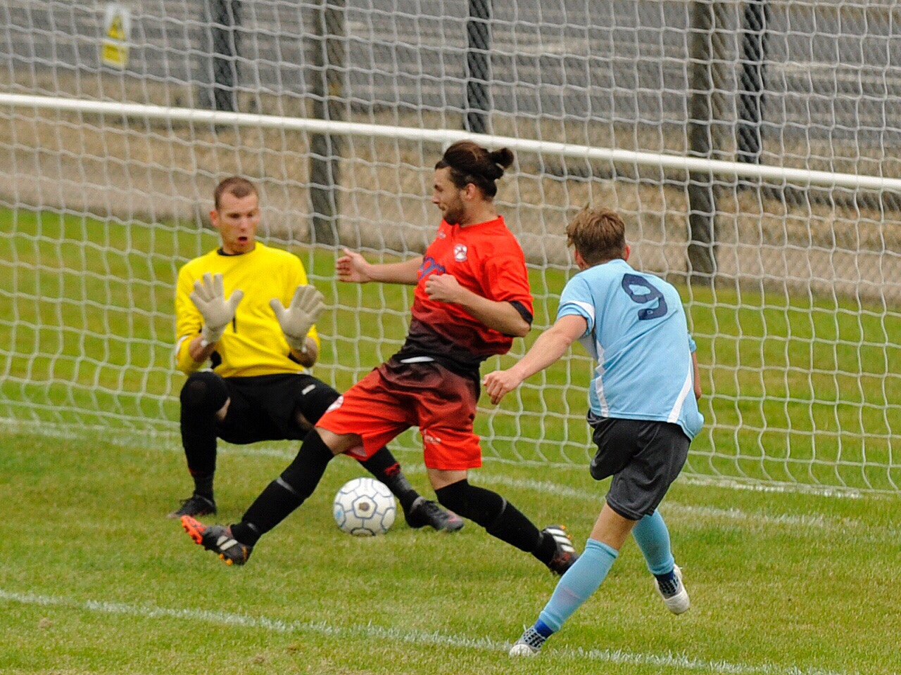 Woodley United keep up 100% record and Division 1 East round up