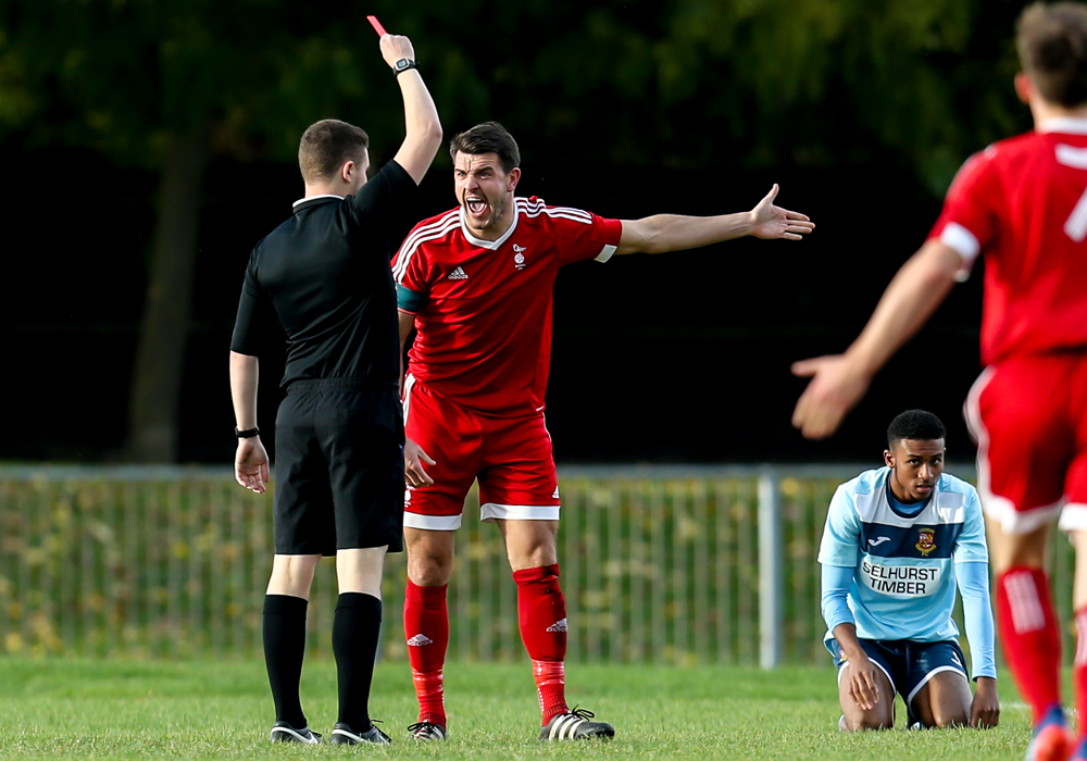Carl Davies is sent off for Bracknell Town FC. Photo: Neil Graham.