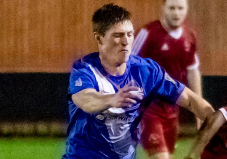 Chris Dean playing for Binfield FC. Photo: Neil Graham.