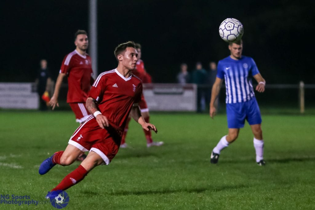 Joe Grant for Bracknell Town FC. Photo: Neil Graham.