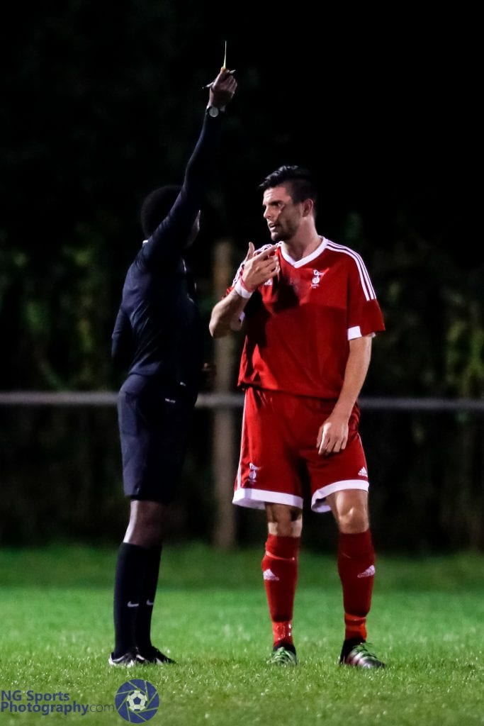 Lee Rushe keeping out of trouble for Bracknell Town FC. Photo: Neil Graham.