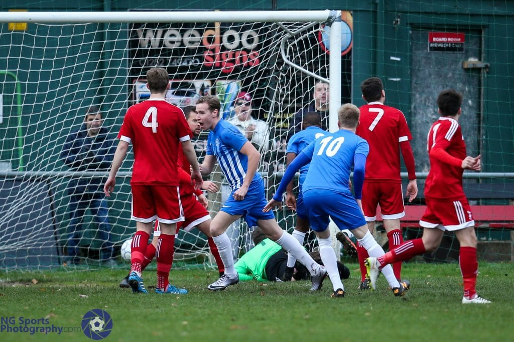Thatcham Town celebrate going 2-0 up against Bracknell Town. Photo: Neil Graham.