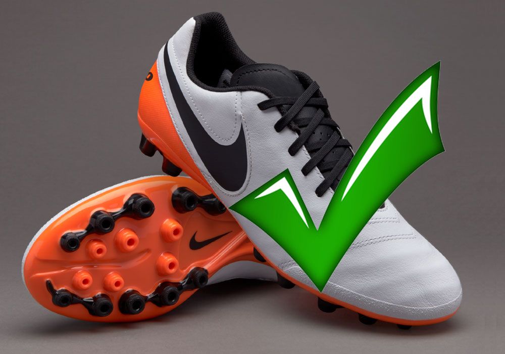 What football boots to wear at Bracknell Town FC.