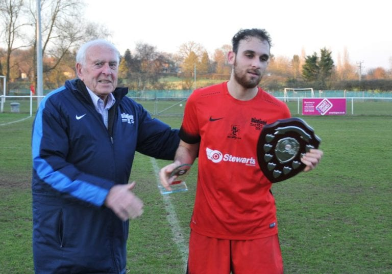 Liam Ferdinand with the Binfield player of the month award. Photo: Bob Bacon.