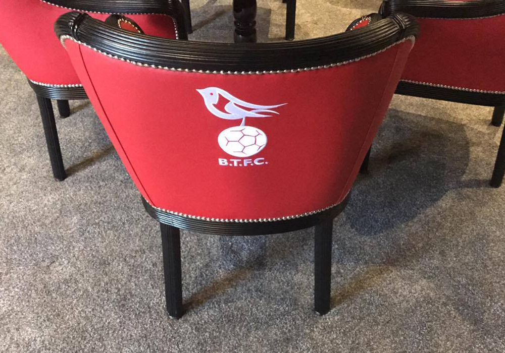 Those great old seats from the bar have been lovingly restored. Photo: @bracknelltownfc