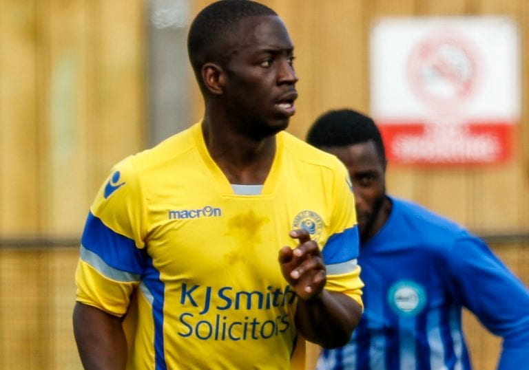 Woodley United defender Idris Kamara. Photo: Neil Graham.