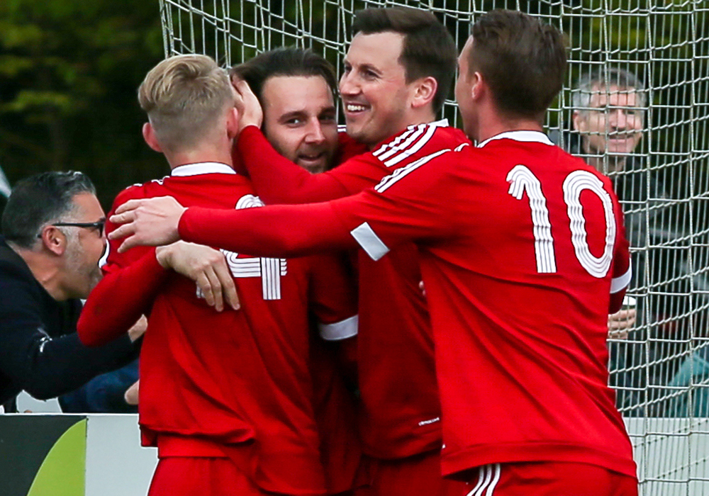 Bracknell Town celebrate Adam Cornell's goal. Photo: Neil Graham.