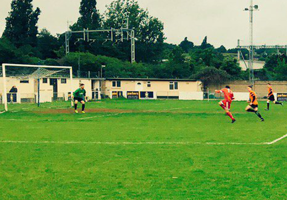 Wokingham & Emmbrook vs Bracknell Town at Scours Lane.