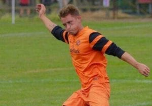 Ben Broadhurst playing for Wokingham & Emmbrook.