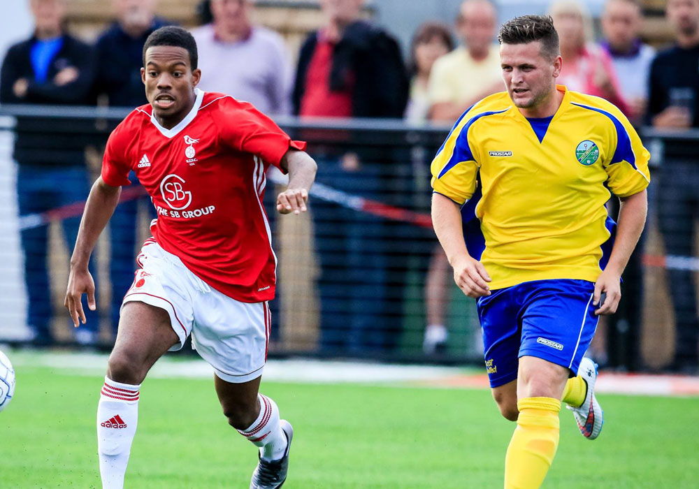 Kensley Maloney for Bracknell Town vs Ascot United. Photo: Neil Graham.