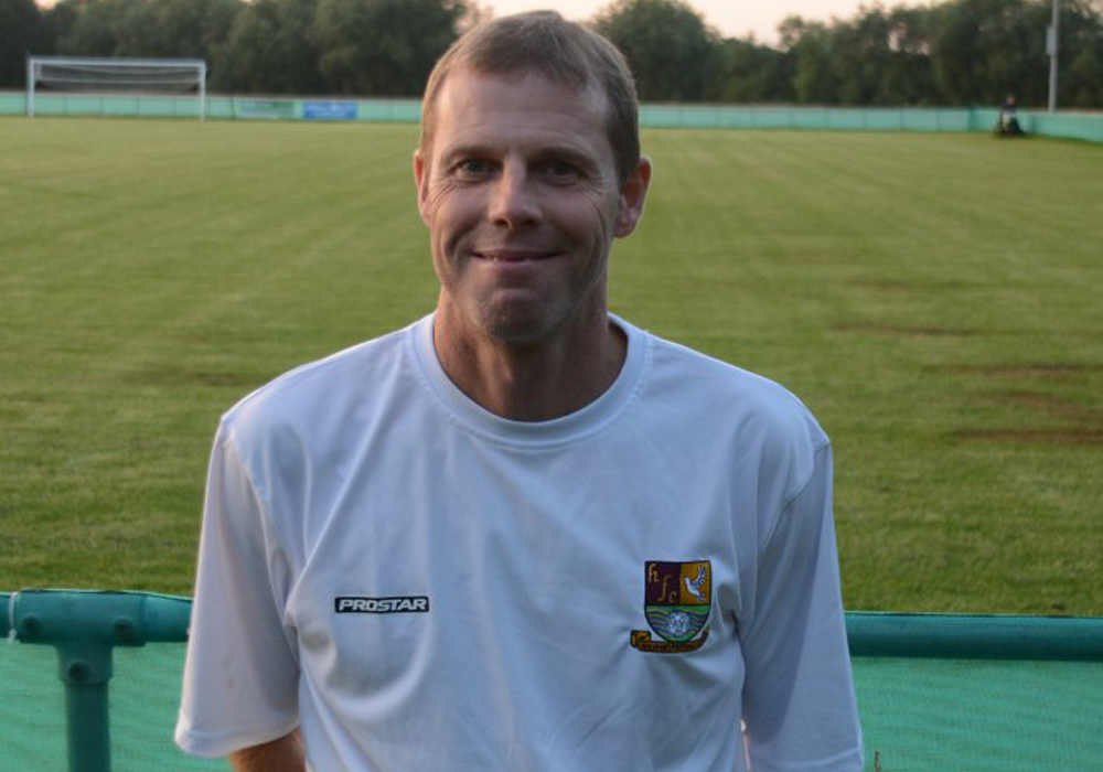 Holyport manager Barry Rake. Photo: Holyport FC.