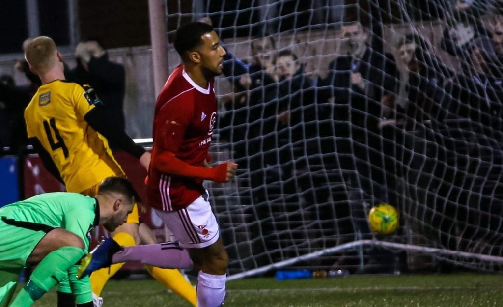 Ash Artwell scores for Bracknell Town. Photo: Neil Graham.