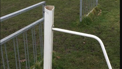 Mortimer Goalposts