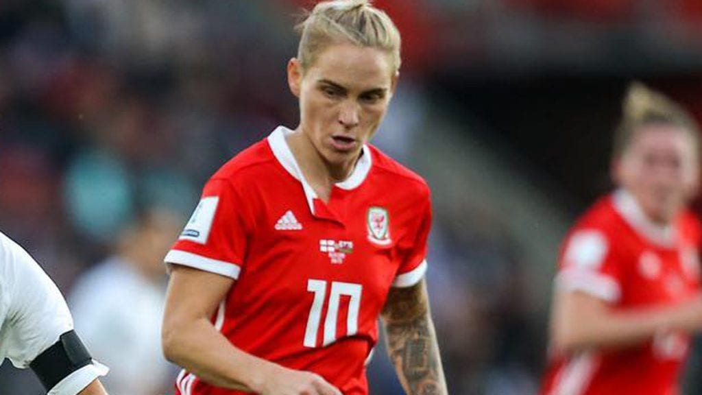 Jess Fishlock in action for Wales against England. Photo: Neil Graham / ngsportsphotography.com