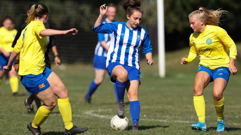 Alicia Povey playing for Penn & Tylers Green against Ascot United. Photo: Richard Claypole.