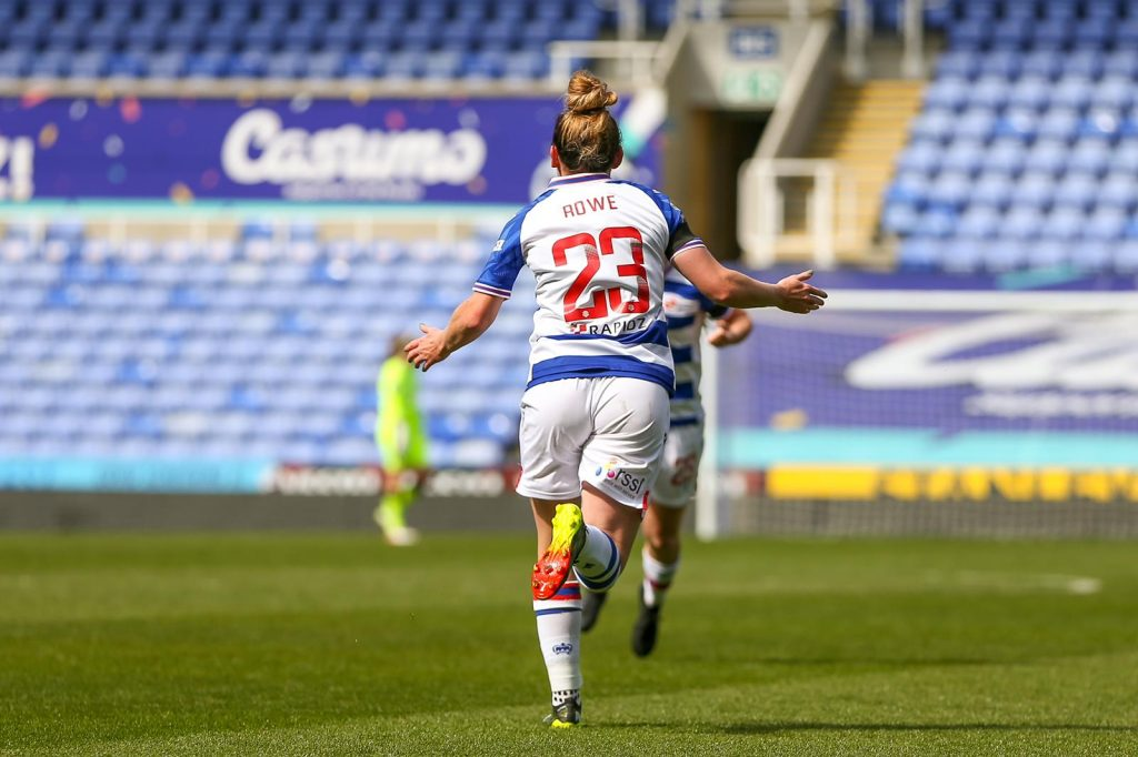 Rachel Rowe nets an equaliser for Reading in the Vitality Women's FA Cup. Photo: Neil Graham / ngsportsphotography.com