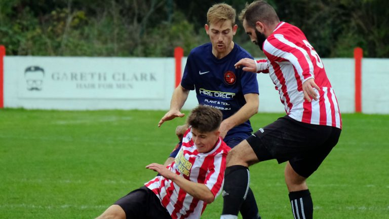 Action from Wallingford Town AFC vs Wokingham & Emmbrook. Photo: Andrew Batt.