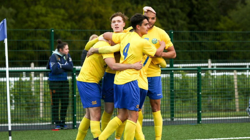 Ascot United players celebrate. Photo: Neil Graham / ngsportsphotography.com