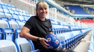 Gemma Evans signs for Reading FC Women. Photo by Reading FC.
