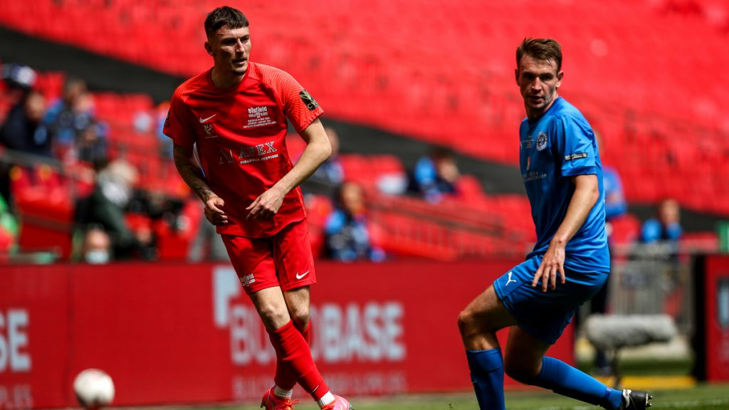 Asa Povey playing for Binfield at Wembley. Photo: Neil Graham / ngsportsphotography.com