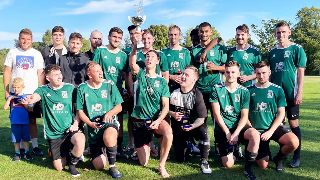 Woodley Saints with the Senior Sultan Balti Cup. Photo: Andrew Batt.