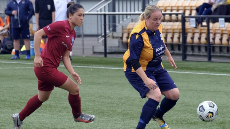 Charisse Tregear chases down Shannon Daly during their Berks & Berks County Cup fixture. Photo: Andrew Batt.